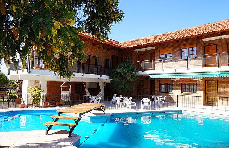 f9ea39d9c1b7d Zona  Villa Carlos Paz. Tel.  (03541) 420 606  Web  www.hotelcpaz.com.ar